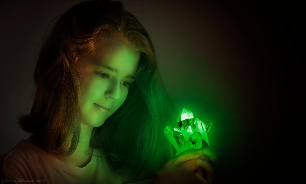Meisje met kristal